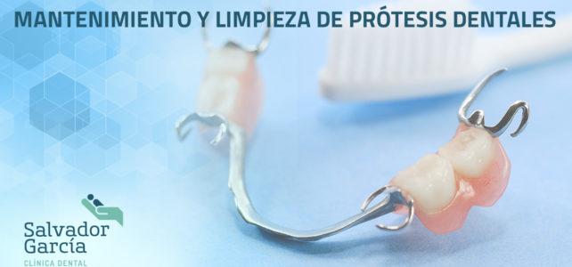 Mantenimiento y limpieza de prótesis dentales