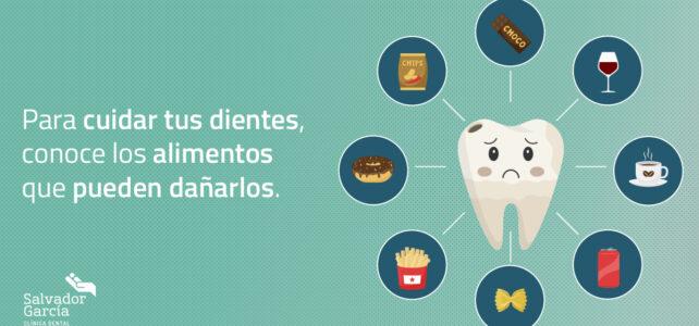 Para cuidar tus dientes, conoce los alimentos que pueden dañarlos